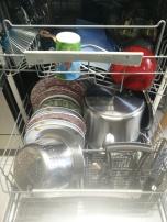 volle Spülmaschine